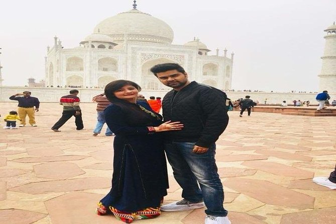 1 Day Visit to Taj Mahal & Agra Fort with Entrance Tickets photo 2