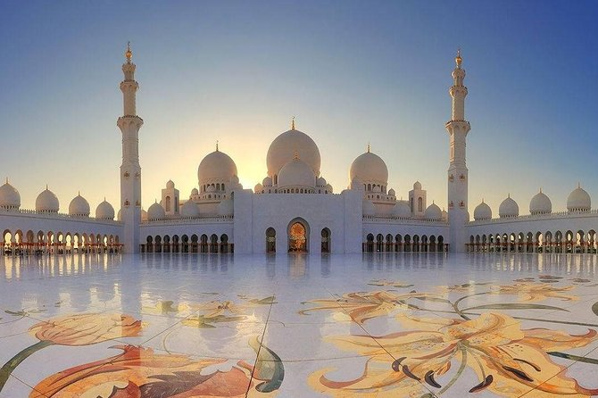 Private Tour of Abu Dhabi from Dubai