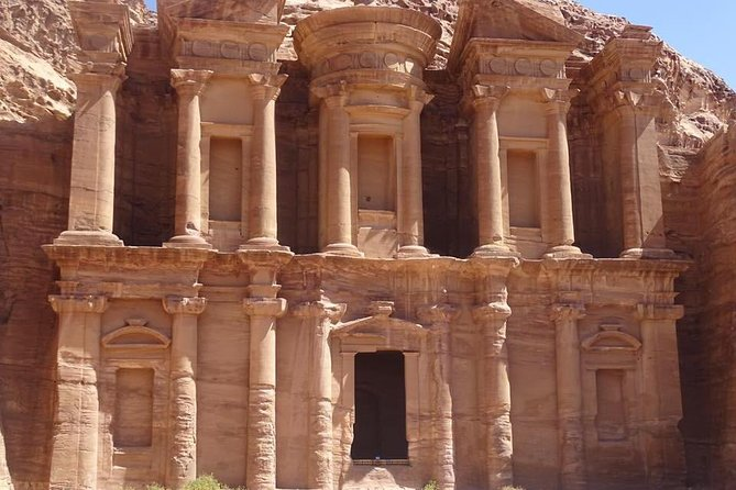 Transportation to Petra and back, from Amman
