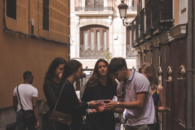 Girona, free the statues