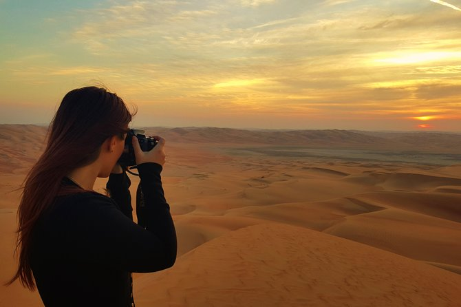 Liwa Sunset Trip at Moreeb Dune With Picnic Lunch and Sandboard