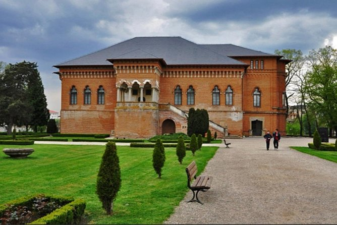 Palaces, Mansions, Vineyards and Islands around Bucharest