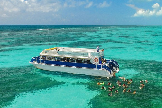 Isla Contoy and Isla Mujeres Combo Nature Tour from Riviera Maya with Snorkeling and Lunch