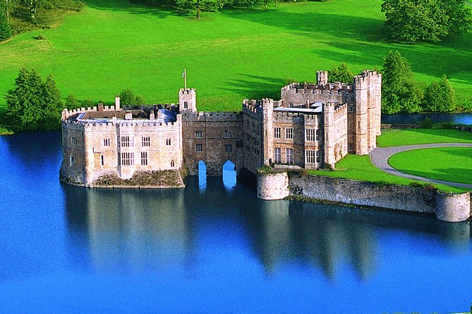 Private Day Tour to Beautiful Leeds Castle, Kent, England