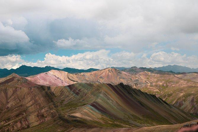 Tour de la Montaña de Arco Iris Palcoyo y el Bosque de Piedra Full Day