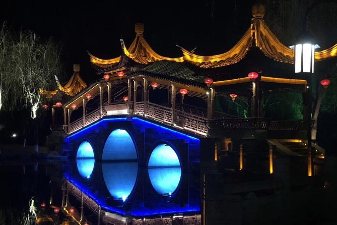 Private Tour to Xitang Water Town from Shanghai with Lunch