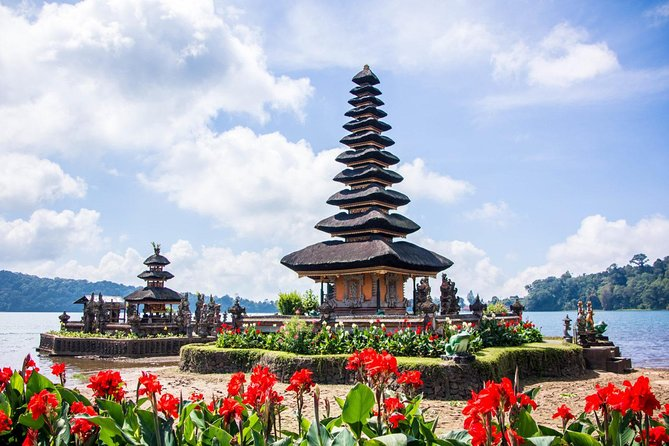 Bedugul & Tanah Lot Sunset Tour