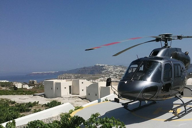 Private Helicopter Sightseeing Tour Santorini 20 minutes - up to 5 passengers
