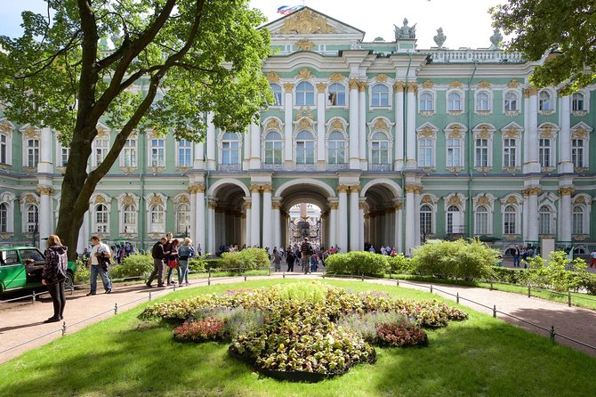 Private 1-Day Tour of St Petersburg with Faberge Collection