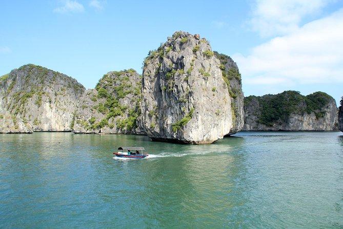 Lan Ha bay & Halong bay Full Day trip: Kayaking & Swimming at pristine places