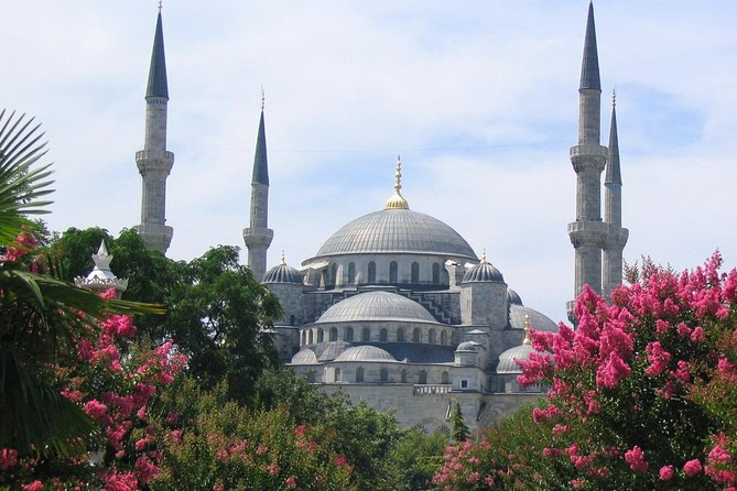 Classic Istanbul Tour including St.Sophia, Blue Mosque, Topkapi Palace,G.Bazaar photo 2
