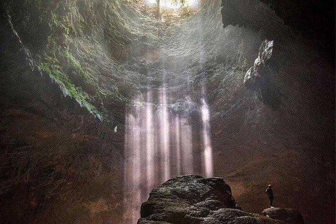 Jomblang cave - Paragliding at Paralayang hill