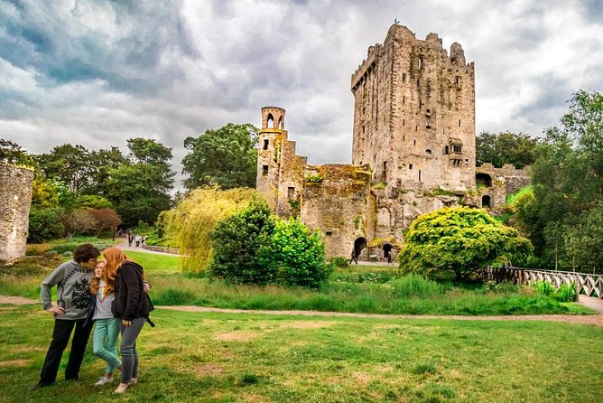 Blarney Castle Day Tour from Dublin Including Rock of Cashel & Cork City