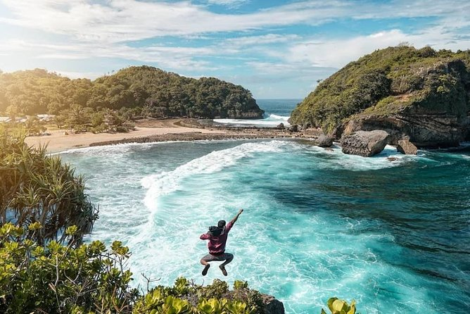 1 Day - Malang Beaches Motorcycle Tour // 07:00 - 17:00