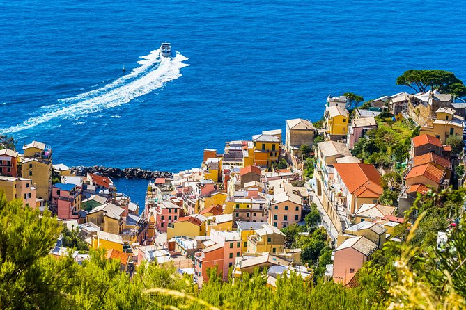Livorno Shore Excursions: Private Round Trip Cinqueterre