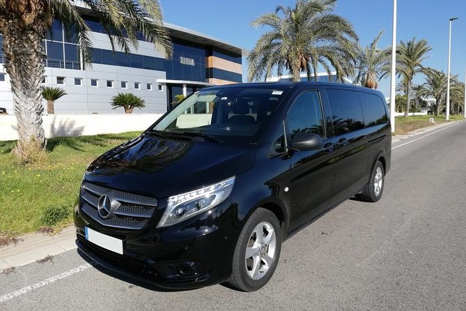 Departure Private Transfer Larnaca City/Bay to Larnaca Airport LCA by Luxury Van