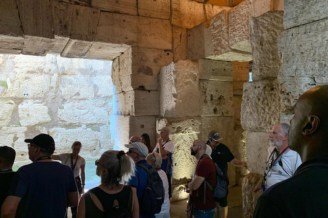 Colosseum Underground Experience: VIP Tour with Palatine Hill and Roman Forum