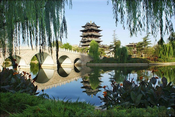 4 Hour Private Walking Tour to Daming Lake, Qushuiting Street and More