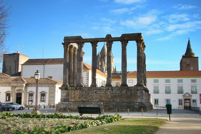 Discover Évora from Lisbon
