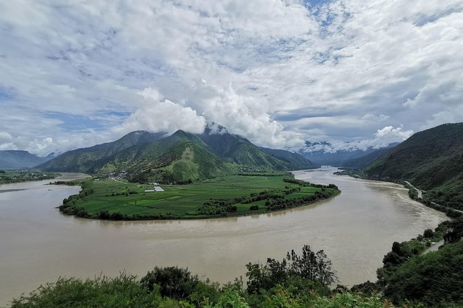 Day excursion of Tiger leaping Gorge from Lijiang