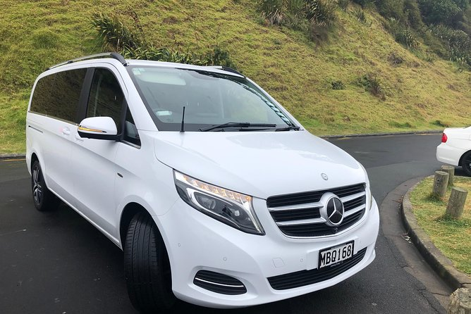 Luxury Airport transfers in Auckland