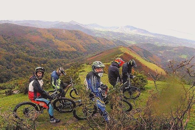 Enduro mountain bike trip with shuttle