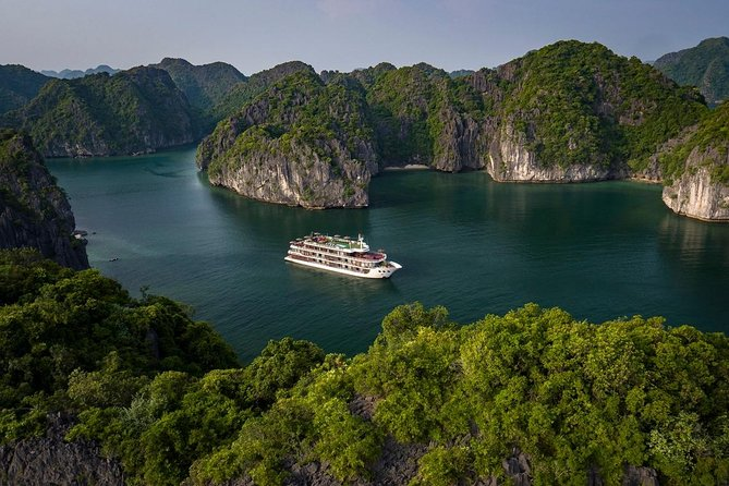 Dora Cruise - Halong bay and Lan Ha bay 5 star cruise with All Activities