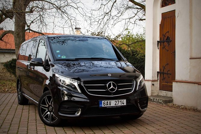 1-way Prague to Vilshofen private transfer - Mercedes Benz - up to 8 passengers