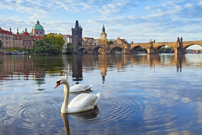 1-way Prague to Munich - private transfer - Mercedes Benz - up to 8 passengers