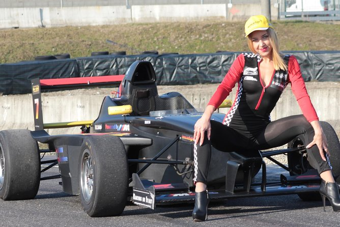 Racing Experience-Formula Racing Course and laps on Ferrari near Milan
