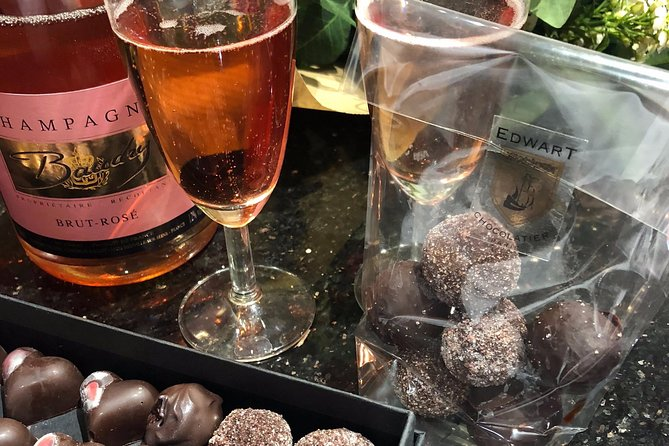 Valentine's Day Special : Champagne Chocolate Workshop in the center of Paris