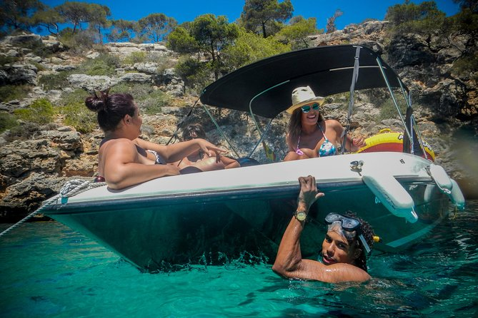 Boat rental Q600 'Atlas' (115hp / 8p) - Can Pastilla
