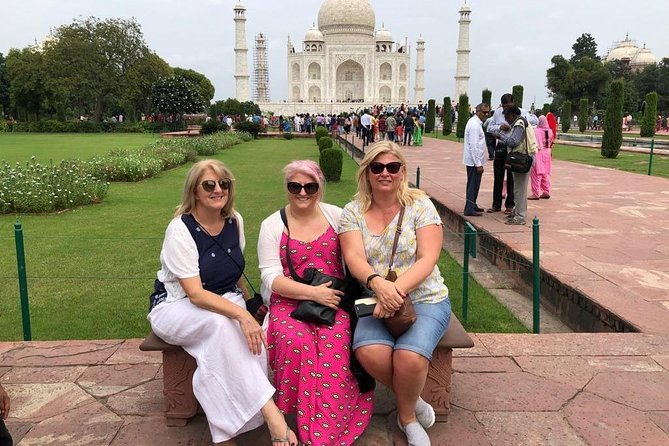Taj Mahal Tour by Gatimaan Express Train With Lunch At 5 Star Hotel