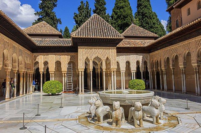 Alhambra, Nasrid Palace & Generalife Garden group tour
