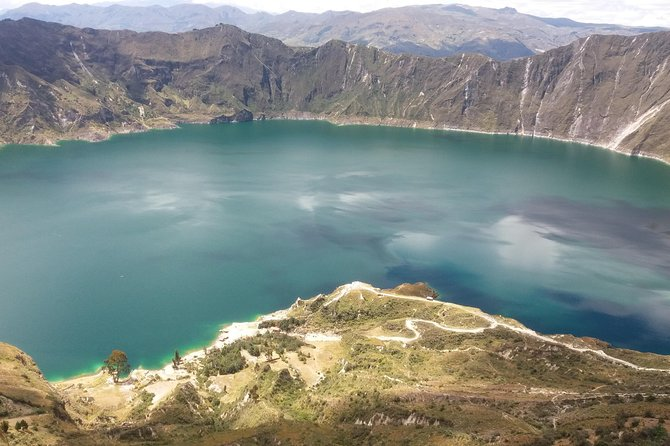Tour to the magnificent Laguna del Quilotoa and Cañon del Río Toachi Full Day $ 140.00