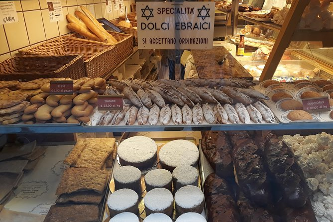 Venice: Special Evening Food & Wine Tour of the Jewish Ghetto with Foodie Guide