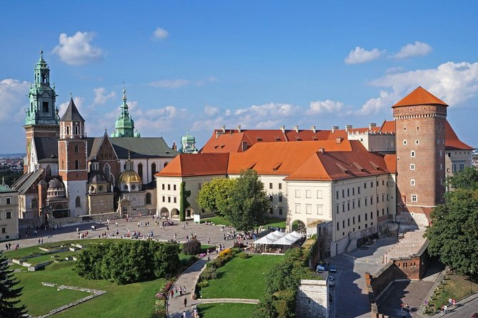 1-way Prague to Cracow - private transfer - Mercedes Benz - up to 8 passengers
