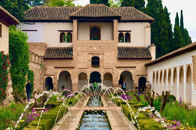 The Alhambra and Generalife - private tour photo 3