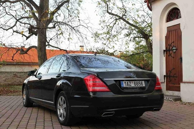 1-way Prague to Dresden - private transfer - Mercedes Benz - up to 8 passengers