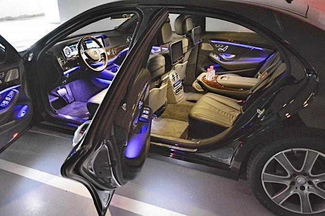 Prague airport luxury transfer by a Mercedes Benz S class