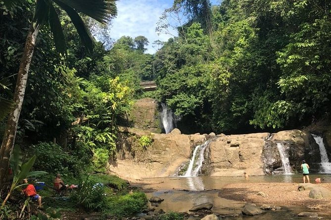 Peaceful trip to Hone Creek Waterfall