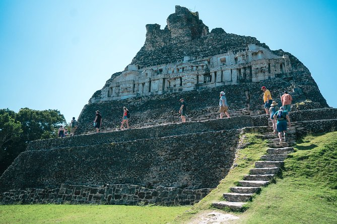 Xunantunich Mayan Ruin and Blue Hole Combo Tour