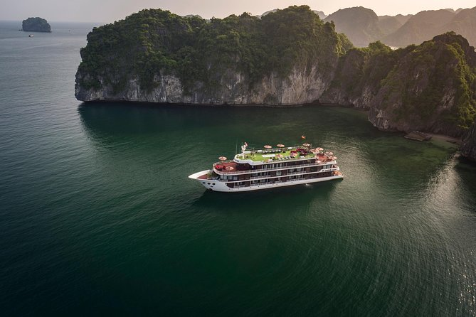 Dora Cruise -Luxury 5 Star Cruise in Ha Long Bay-Lan Ha Bay ( 2 Days 1 Night )