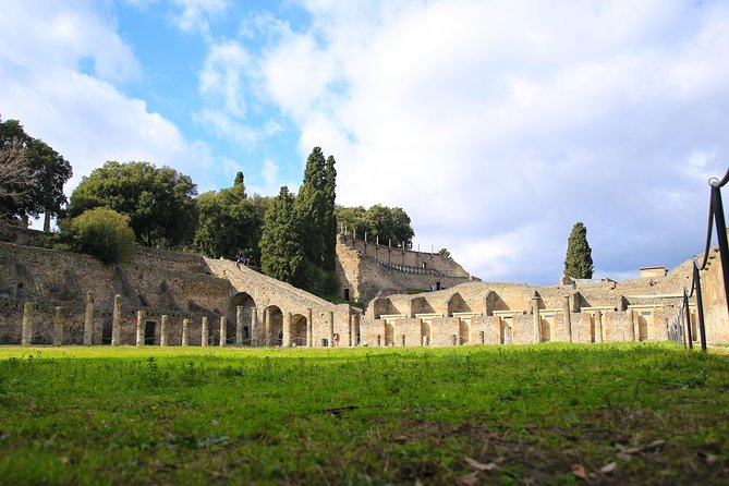 Pompeii Kids and Families tour on the tracks of Percy Jackson