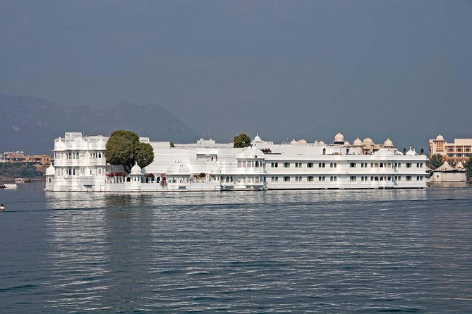 Local - Full Day City Tour of Udaipur with Boat Ride