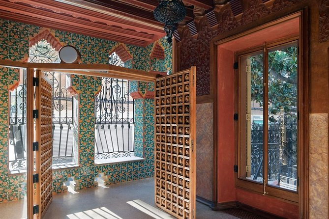 Private Skip the line: Casa Vicens & Casa de les Punxes Plus Vermouth photo 3