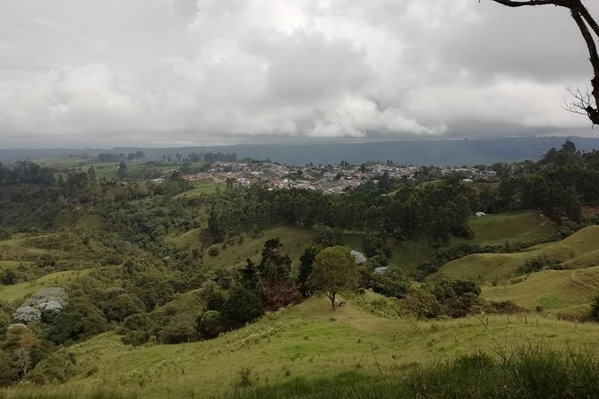 National Road Trekking - Cocora