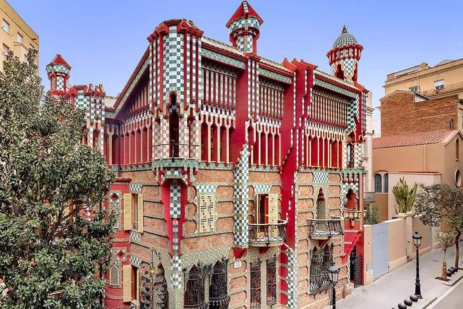 Skip the line: Casa Vicens & Casa de les Punxes Plus Vermouth