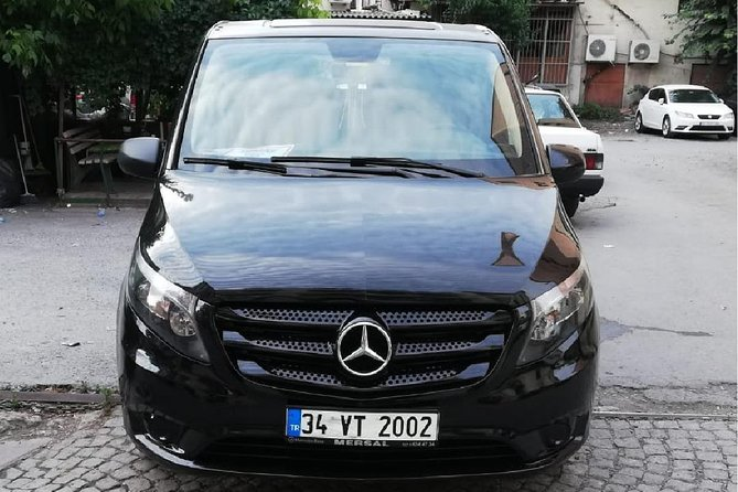 Sabiha Gokcen Airport Private Arrival Transfer with Meet & Greet