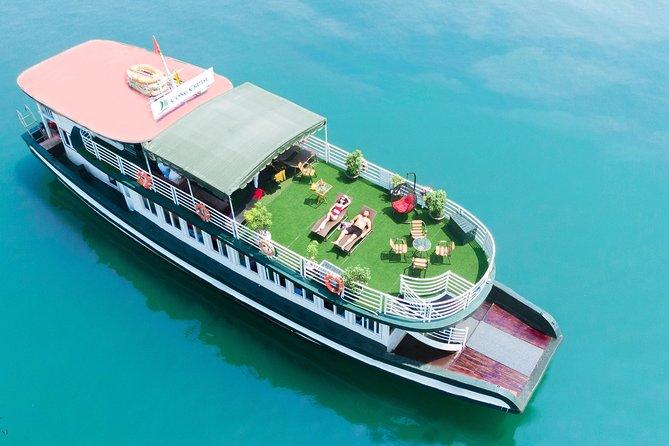 Ha Long Bay Täglicher Ausflug mit dem Kajak ab Hanoi